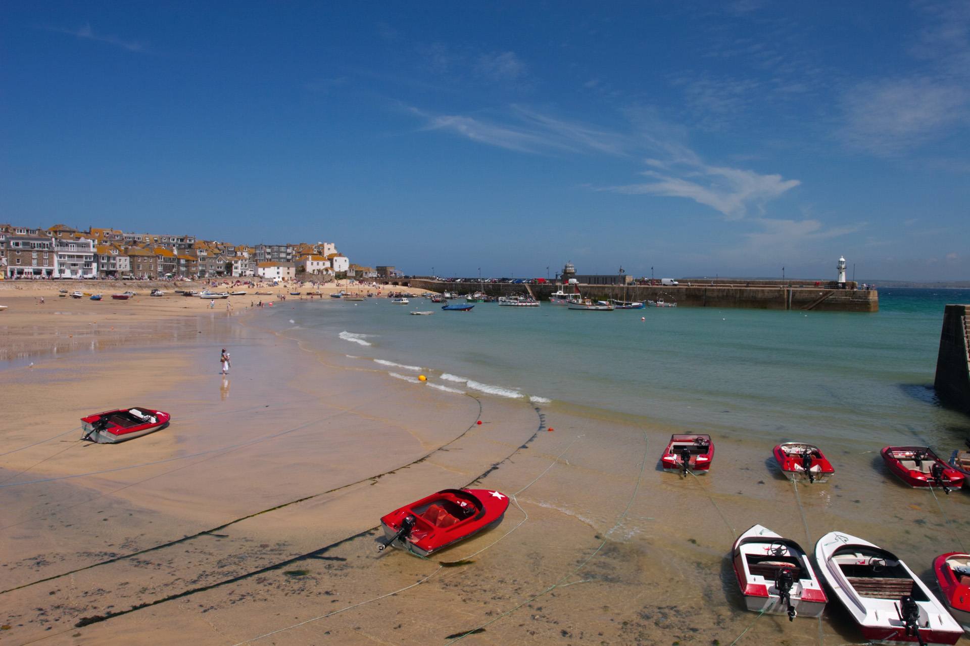 St Ives looking towards the Harbour Wall