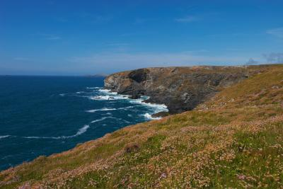 High Cove from near Park Head, between Bedruthan Steps and Portc